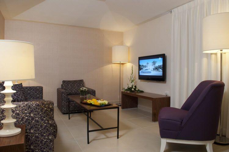 מלון אסטרל וילג' - פינת ישיבה