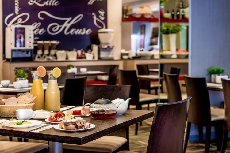 מסעדה באסטרל מאריס