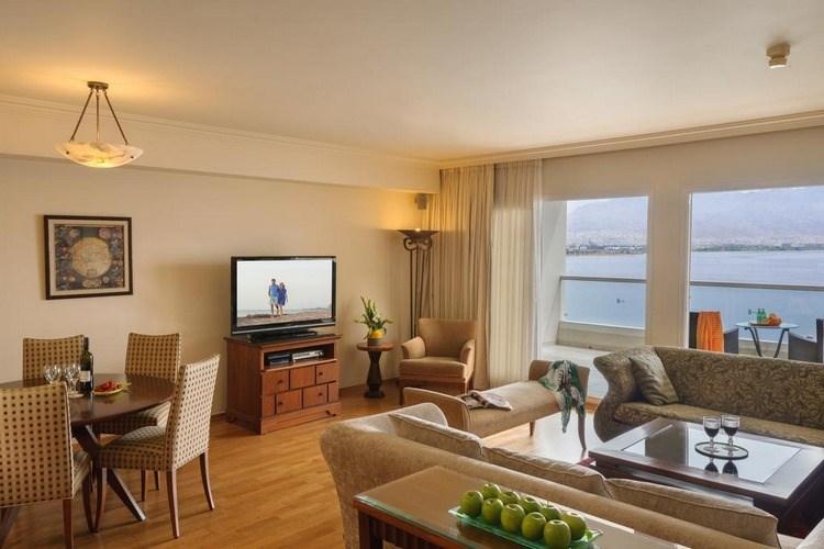 סוויטה נשיאותית במלון אריאה