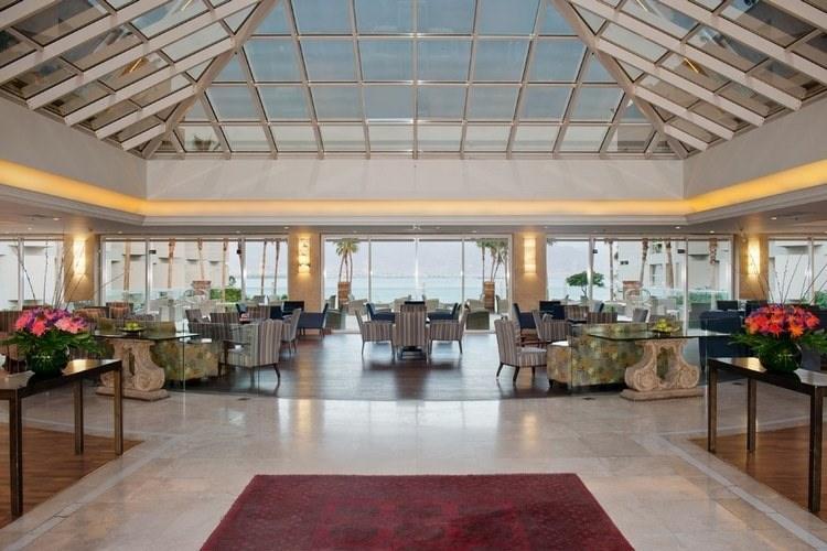 לובי במלון אריאה