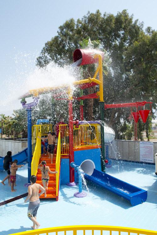 04-מתקני מים בקורל ונירוונה