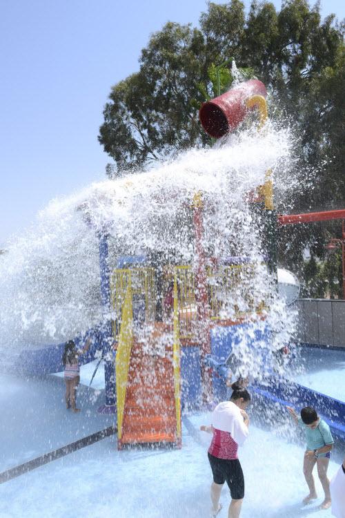 05-מתקני מים בקורל ונירוונה